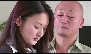 femme d'_affaires japonaise forcé_e par son patron (Full: tinyurl.com/y7xv2nfd)