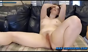 Amateur Camgirl Gives Instructions To Sissy Boy On Webcam