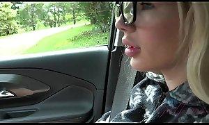 Follando con mi hermana en el coche de camino a casa Bella rose