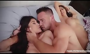 best cumshot ever (wish she was my wife wuth him)