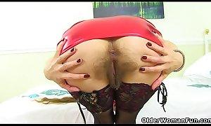 English gilf Josie lets you enjoy her furry fanny