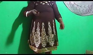 desi  indian tamil telugu kannada malayalam hindi horny vanitha showing big boobs and shaved pussy  press hard boobs press nip rubbing pussy masturbation using cucumber
