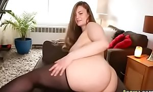 Chubby babe wants to sit on your face (8camzxxx porn video)