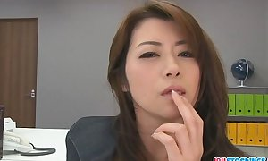 Hojo toying her bawdy cleft during an office rencounter