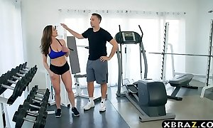 Milf gym workout on the large penis of her personal coach