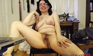 Sprightly secret agent peer royalty squirter milf lolite with downcast glasses