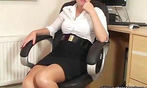 Solointerviews sexy booty office BBC slut ava striptease masturbates