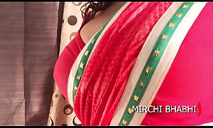 Bengali boudi Mirchi Bhabhi fucking a cucumber