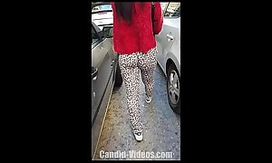 Perfect candid jiggly booty girl in soft tight leggings