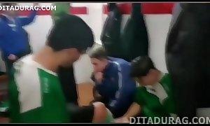Futebol Gay - Copa do Mundo e Flagras do Futebol - DITADURAGSEX tube movie