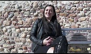 Premi&egravere double pénétration pour Khadija