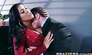 Brazzers - (Kiara Mia, John Strong) - My Boss Is A Creep