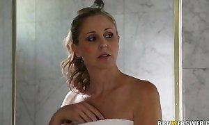 Stepmother julia ann teaches mandy sky how to engulf