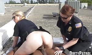 Kinky MILF policewoman eaten out in IR outdoor threesome