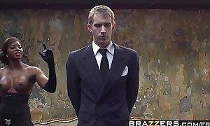 Ebony brit (Jasmine Webb) gets stuffed by (Danny D) s big dick - BRAZZERS
