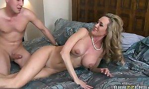 Stepmom brandi love (full hd on hdpornbasexxx porn video)