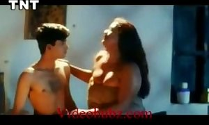 Shakeela mallu seducing juvenile dude