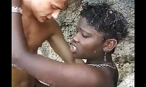 African amateur wife drilled on the beach