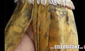 Selena gomez exposed latin chick celebrity dripped
