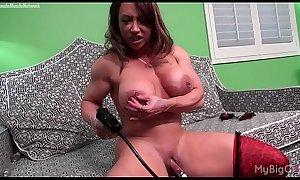 Naked Female Bodybuilder Pumps Her Big Clit
